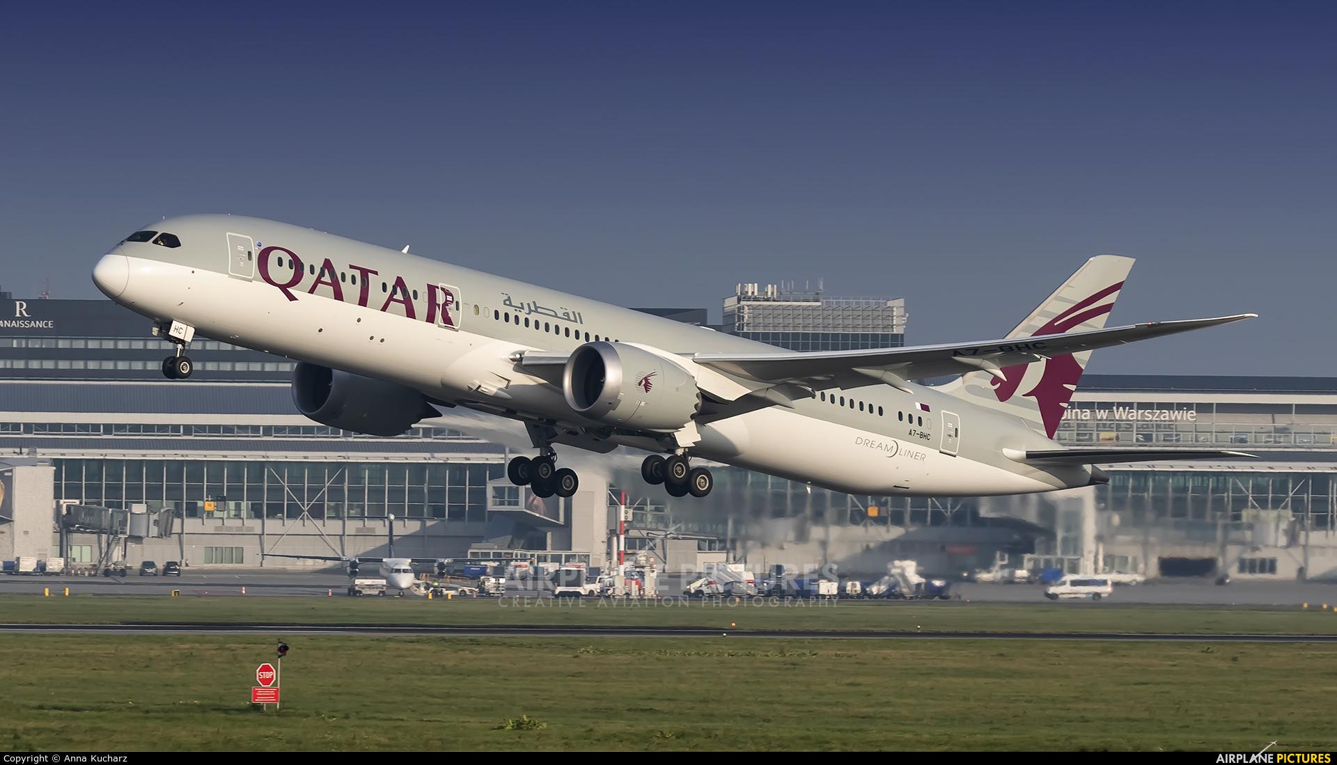 Qatar Airways A7-BHC aircraft at Warsaw - Frederic Chopin