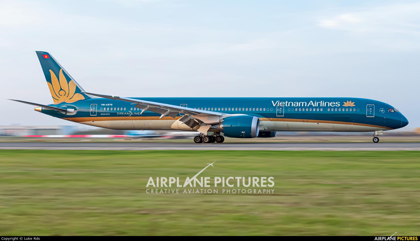 Vietnam Airlines VN-A879 aircraft at Bucharest - Henri Coandă