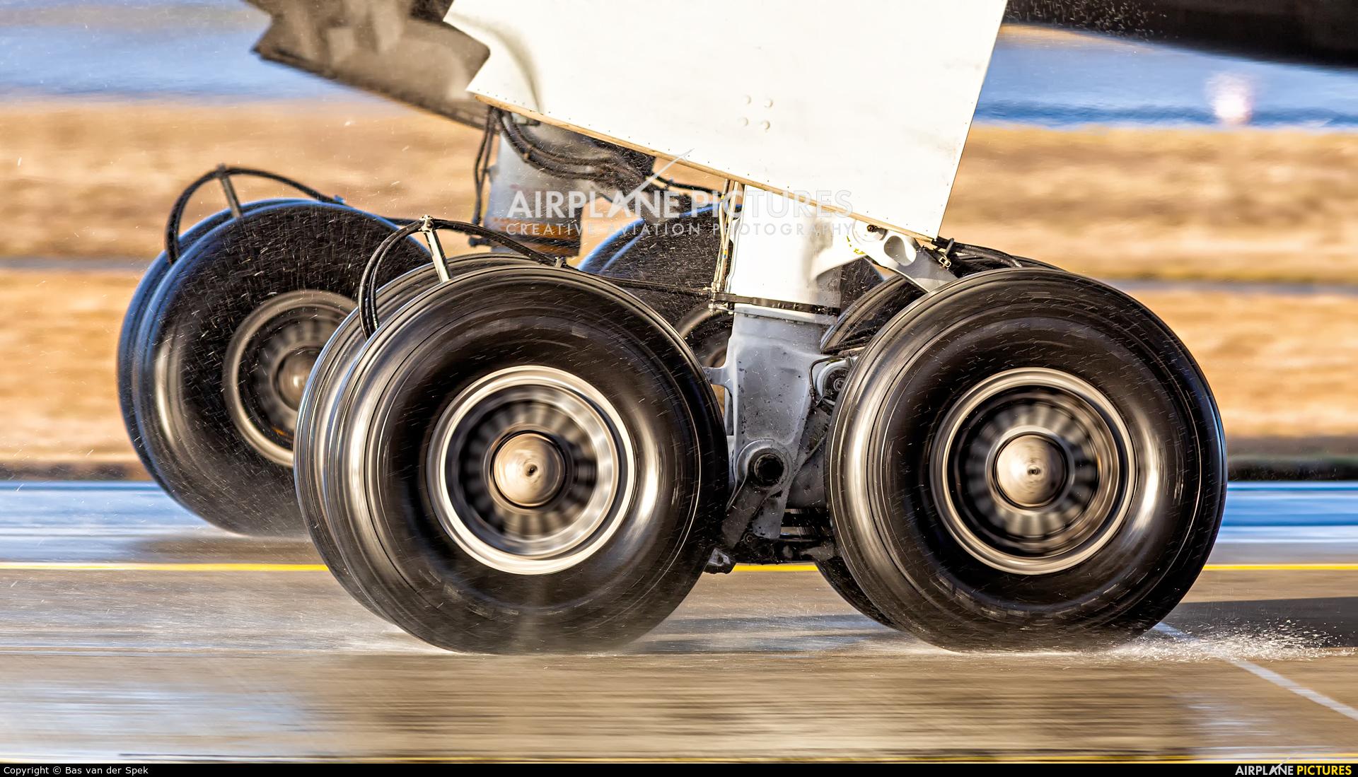 Condor D-ABUS aircraft at Frankfurt