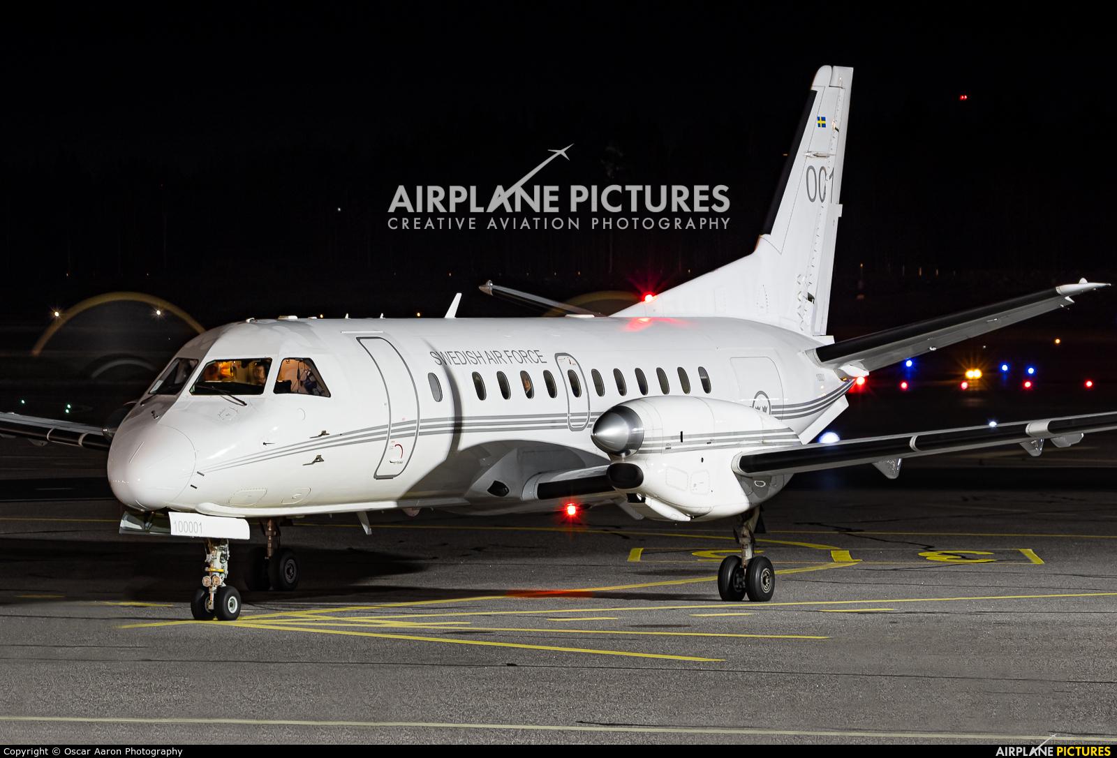 Sweden - Air Force 100001 aircraft at Helsinki - Vantaa