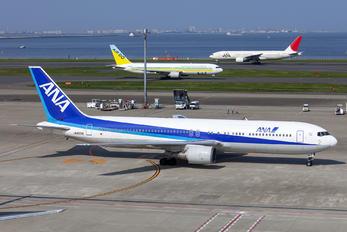 JA8256 - ANA - All Nippon Airways Boeing 767-300