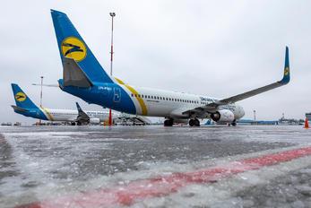 UR-PSJ - Ukraine International Airlines Boeing 737-900ER
