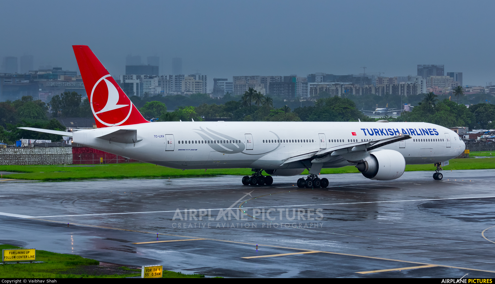 Turkish Airlines TC-LKA aircraft at Mumbai - Chhatrapati Shivaji Intl