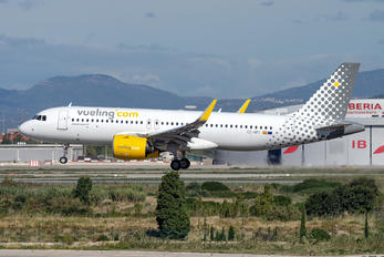 EC-NFI - Vueling Airlines Airbus A320 NEO