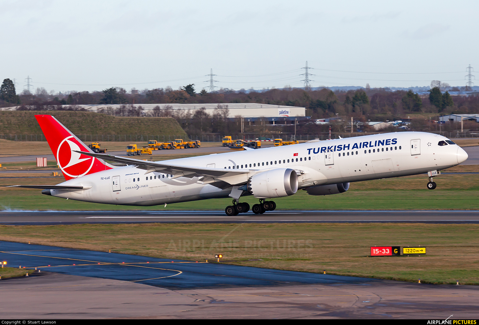 Turkish Airlines TC-LLE aircraft at Birmingham