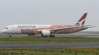 VH-ZND - QANTAS Boeing 787-9 Dreamliner