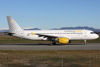 EC-MAX - Vueling Airlines Airbus A320
