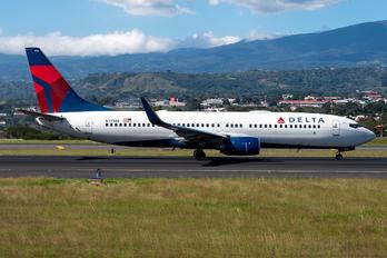 N3738B - Delta Air Lines Boeing 737-800