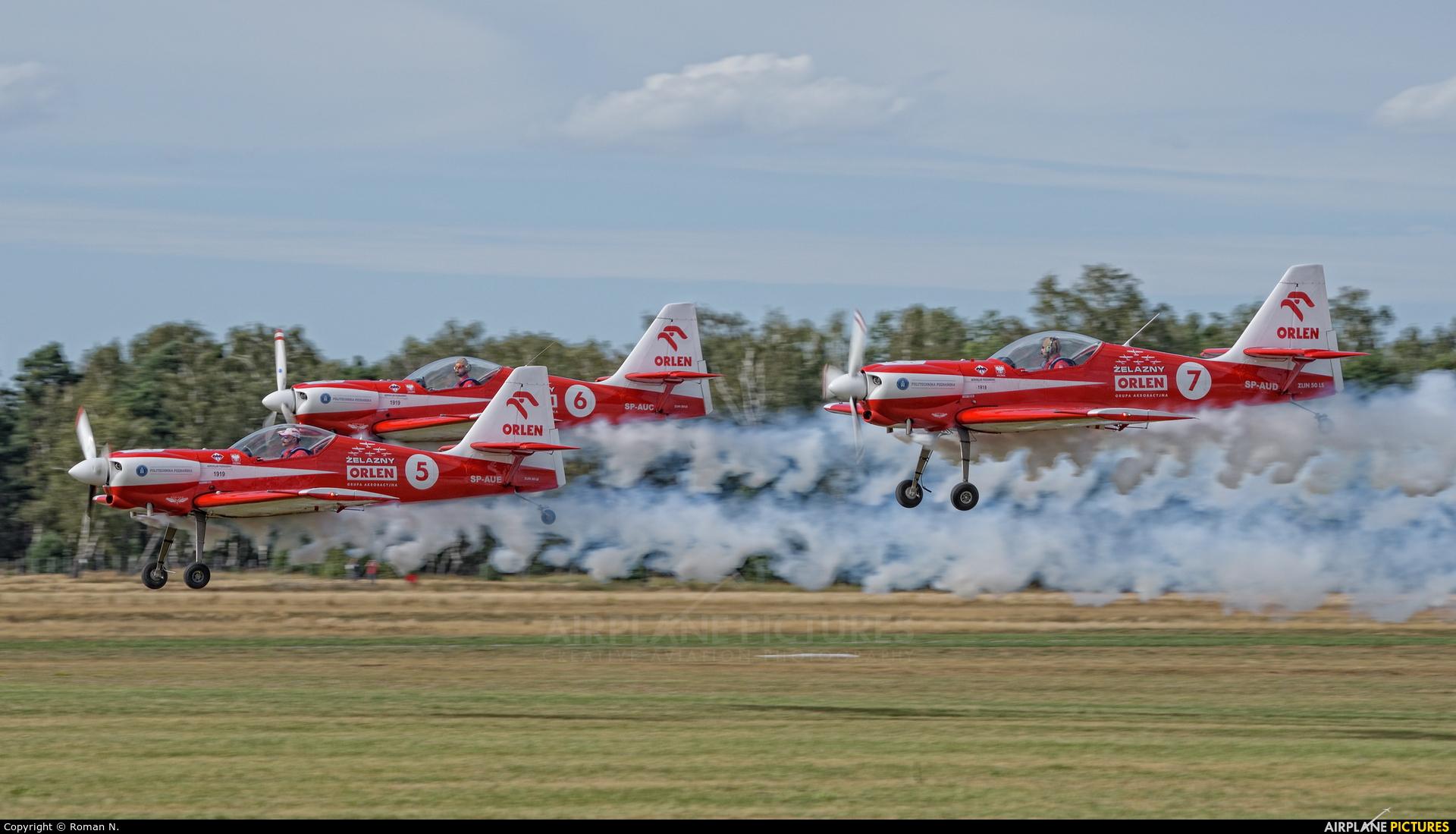 Grupa Akrobacyjna Żelazny - Acrobatic Group - aircraft at Leszno - Strzyżewice