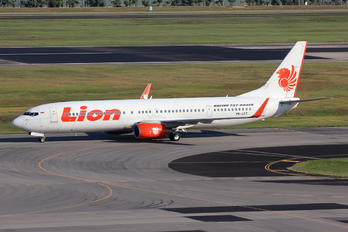 PK-LFT - Lion Airlines Boeing 737-900