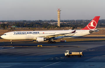 TC-JOJ - Turkish Airlines Airbus A330-300