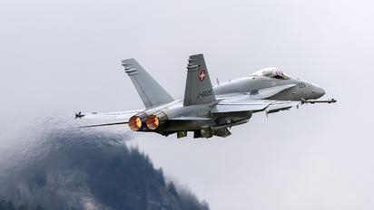 J-5025 - Switzerland - Air Force McDonnell Douglas F/A-18C Hornet