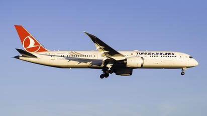 TC-LLN - Turkish Airlines Boeing 787-9 Dreamliner