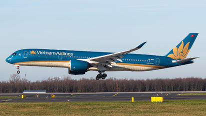 VN-A886 - Vietnam Airlines Airbus A350-900