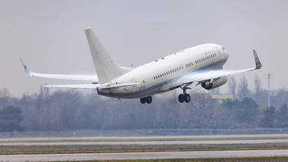 N737AT - Hillwood Airlines Boeing 737-700 BBJ