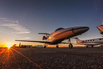 N882AA - Private Hawker Beechcraft 390 Premier