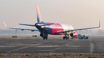 G-WUKI - Wizz Air UK Airbus A321