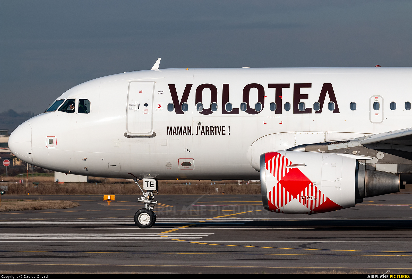 Volotea Airlines EC-MTE aircraft at Verona - Villafranca