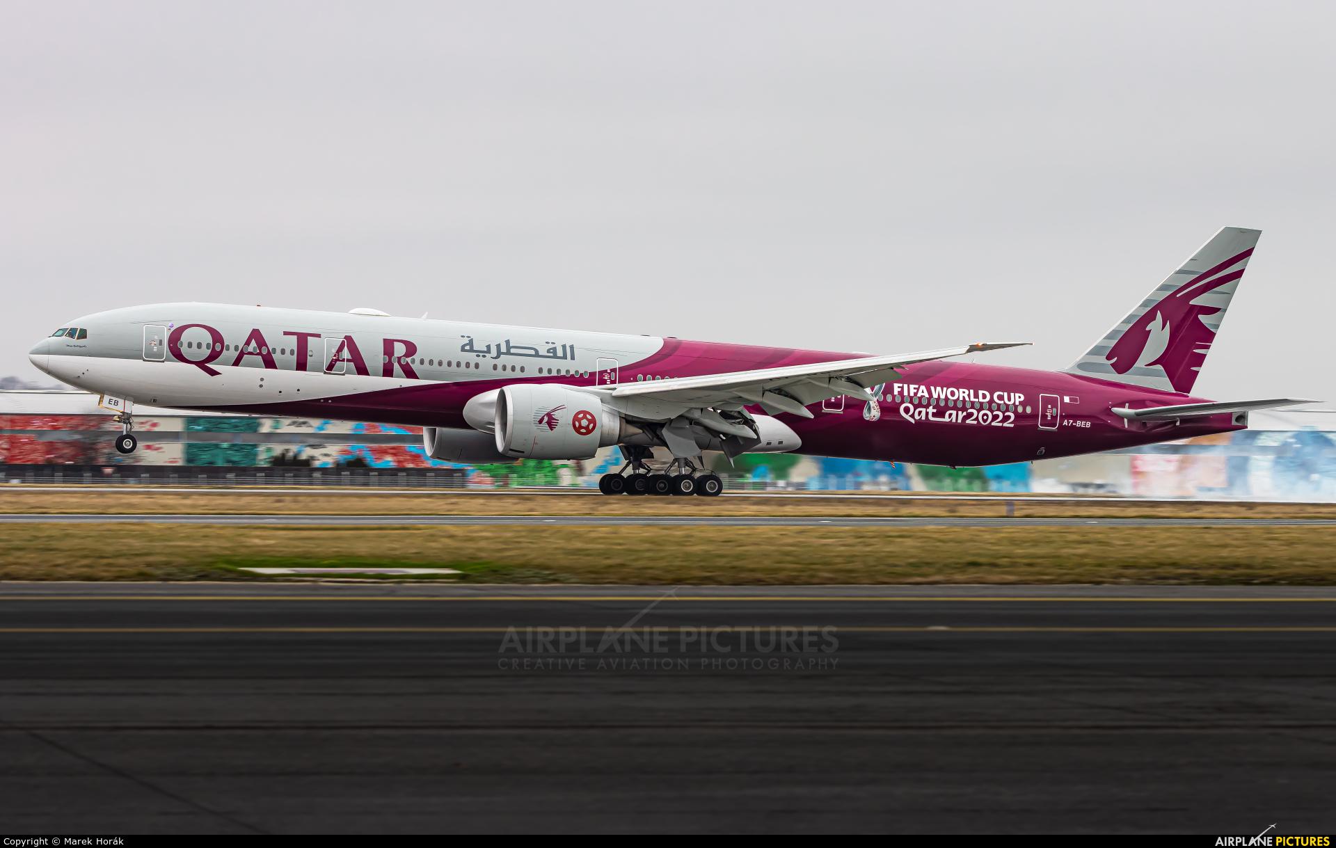 Qatar Airways A7-BEB aircraft at Prague - Václav Havel