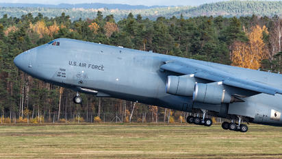 70028 - USA - Air Force Lockheed C-5M Super Galaxy