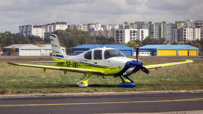 SP-AMR - Aeroklub Podkarpacki Cirrus SR22