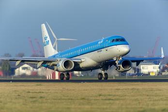 PH-EZC - KLM Cityhopper Embraer ERJ-190 (190-100)