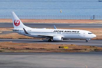 JA325J - JAL - Japan Airlines Boeing 737-800