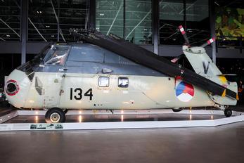 134 - Netherlands - Navy Sikorsky S-58T