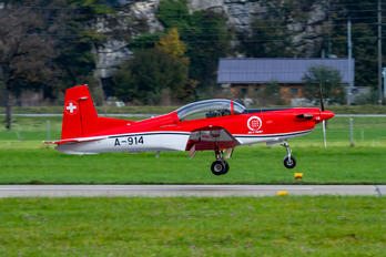 A-914 - Switzerland - Air Force: PC-7 Team Pilatus PC-7 I & II