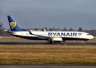SP-RKV - Ryanair Sun Boeing 737-8AS