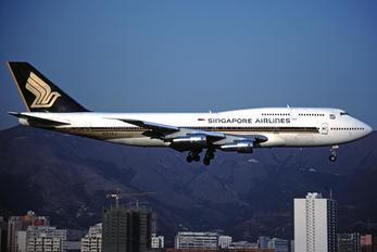 N123KJ - Singapore Airlines Boeing 747-300