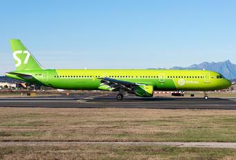 VQ-BQI - Aeroflot Airbus A321