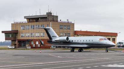 N800AJ - Private Bombardier CL-600-2B16 Challenger 604