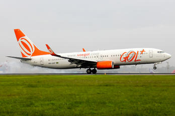 PR-GXP - GOL Transportes Aéreos  Boeing 737-800