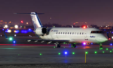 N874AS - SkyWest Airlines Canadair CL-600 CRJ-200