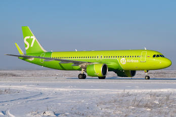 VP-BWM - S7 Airlines Airbus A320 NEO