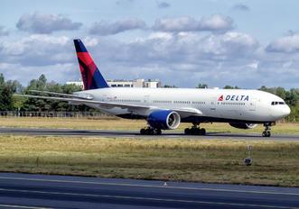 N866DA - Delta Air Lines Boeing 777-200ER