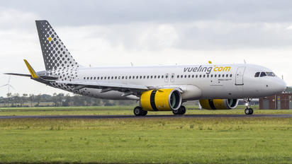 EC-NFK - Vueling Airlines Airbus A320 NEO