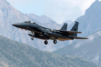01-2002 - USA - Air Force McDonnell Douglas F-15E Strike Eagle