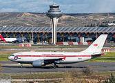 Rare visit of Canadian CC-150 Polaris to Madrid title=