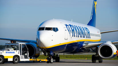 SP-RKS - Ryanair Boeing 737-8AS