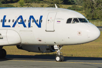 CC-COU - LAN Airlines Airbus A319