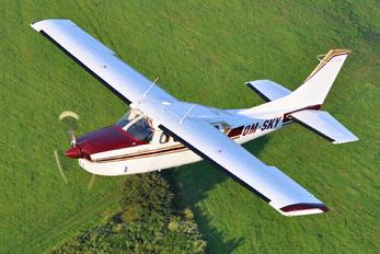 OM-SKY - Private Cessna 210 Centurion
