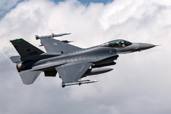 89-0135 - USA - Air Force General Dynamics F-16C Fighting Falcon