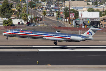 N474 - American Airlines McDonnell Douglas MD-82