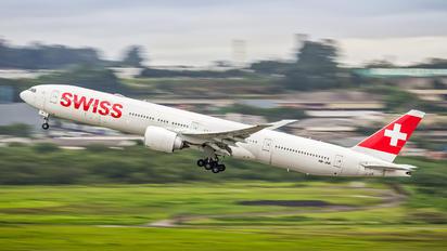 HB-JNK - Swiss Boeing 777-31H(ER)