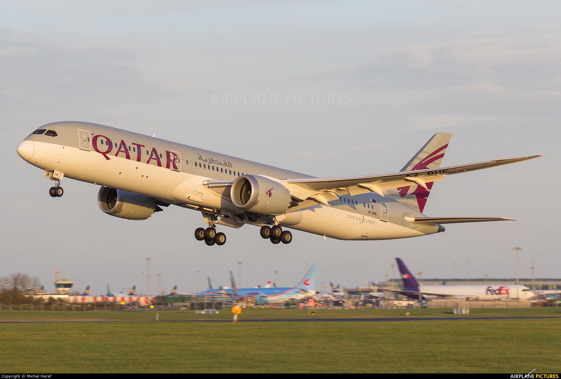 Qatar Airways A7-BHE aircraft at Dublin