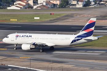 PR-MHF - LATAM Airbus A320