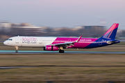 HA-LXZ - Wizz Air Airbus A321 aircraft