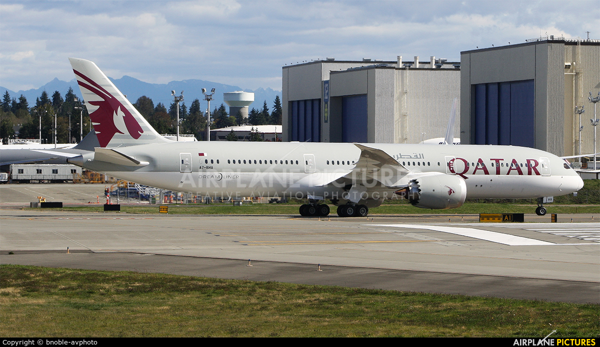 Qatar Airways A7-BHA aircraft at Everett - Snohomish County / Paine Field